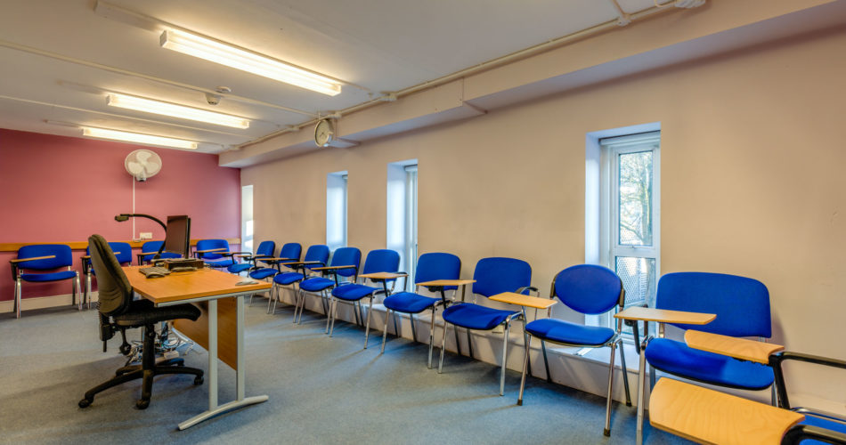 Language Centre classroom Oxford summer school venue